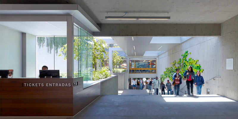 oak-museum-interior-entrance
