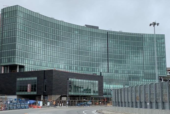 sfo-hyatt-front-of-building